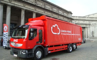 Le premier camion hybride livré à Coca-Cola Belgique