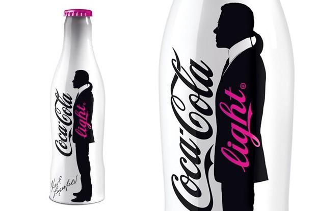 Une nouvelle bouteille de Coca-Cola Light décorée par Karl Lagerfeld ?