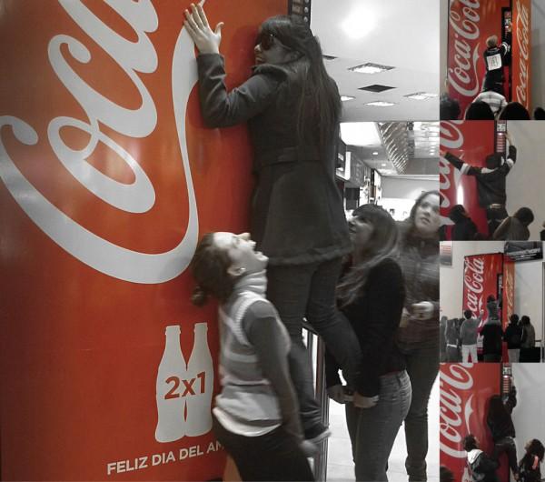 Le distributeur Coca-Cola de l'amitié