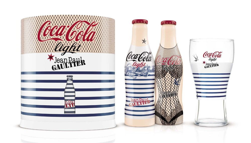 d couvrez les bouteilles de coca cola light by jean paul gaultier. Black Bedroom Furniture Sets. Home Design Ideas