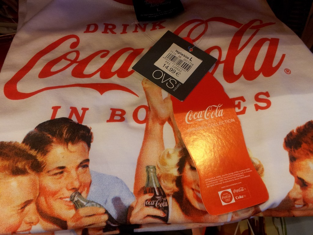 Une collection de tee-shirts Coca-Cola chez OVS