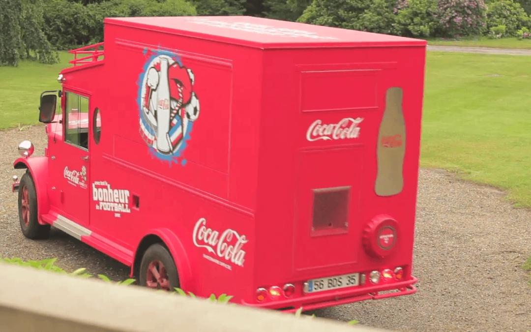 Le Coca-Cola Happiness Truck avec l'Equipe de France de Football