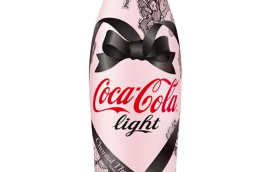 La bouteille Coca-Cola Light par Chantal Thomass se dévoile