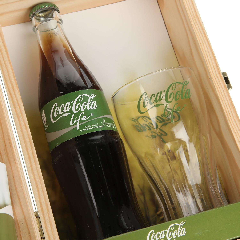 Un coffret collector Coca-Cola Life en édition limitée prochainement chez Colette