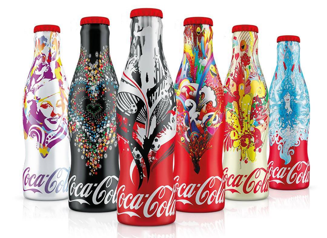 des magnifiques bouteilles coca cola collector en hongrie. Black Bedroom Furniture Sets. Home Design Ideas