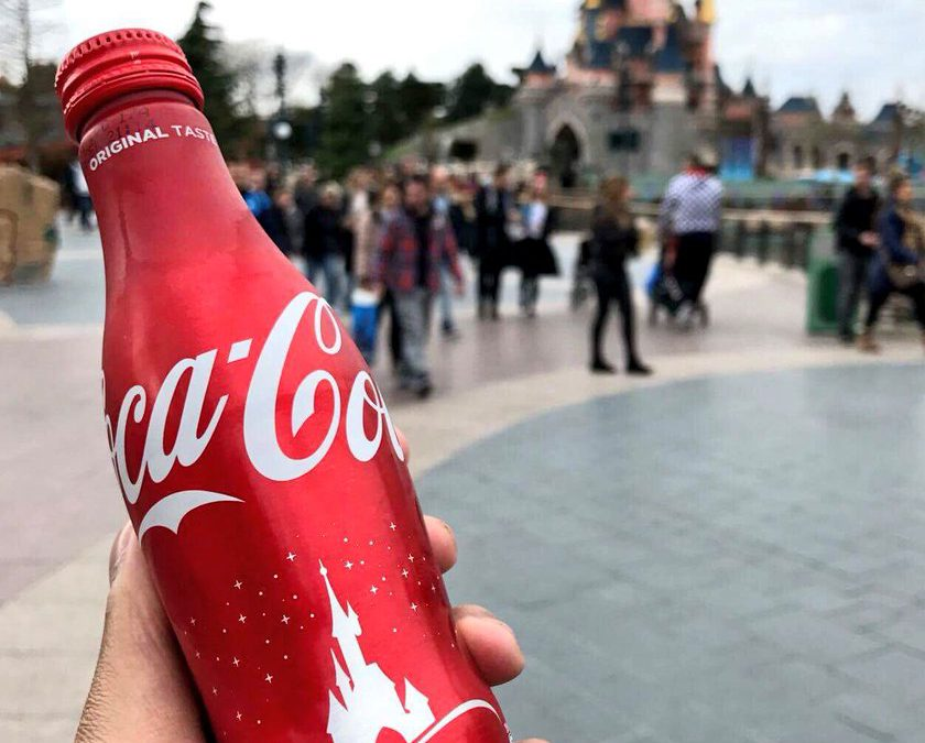 Concours : gagnez une bouteille Coca-Cola x Disneyland Paris 25 ans