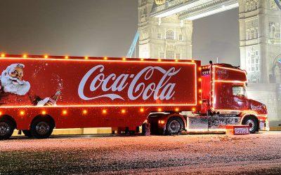 Le camion Coca-Cola fait sa tournée à Noël